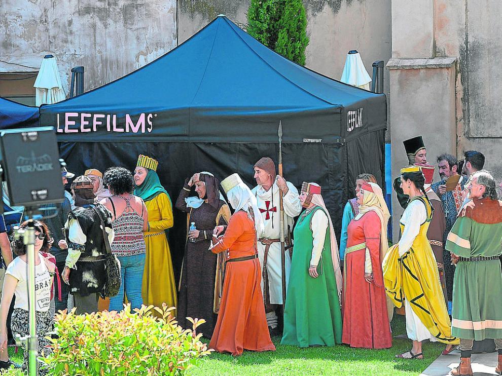 Turolenses con atuendo medieval participan en la grabación del spot publicitario.
