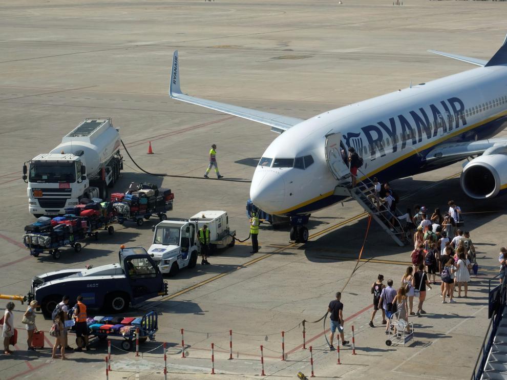 La compañía anunció la cancelación de 200 vuelos diarios debido a la huelga.