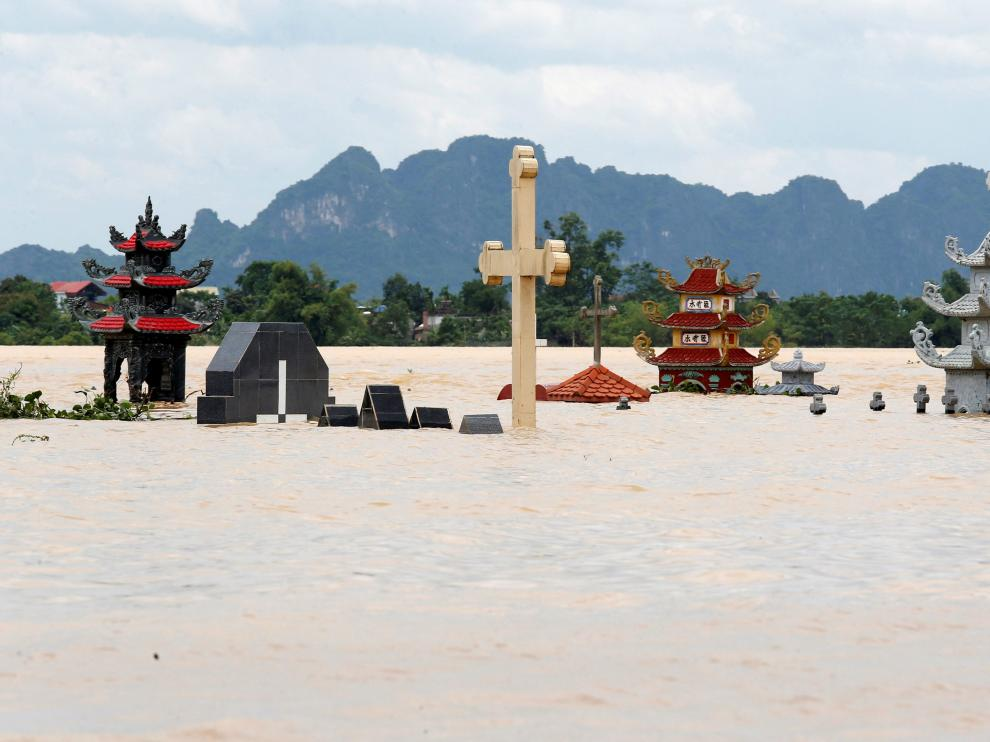 Inundaciones provocadas por la tormenta tropical en Vietnam.