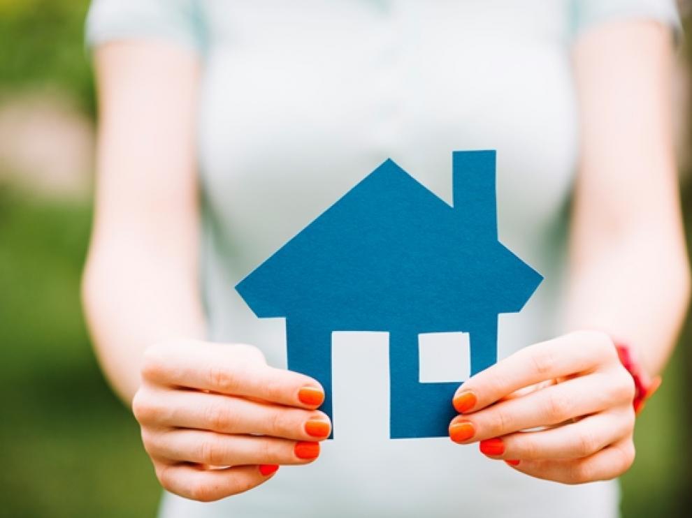 En la época estival, la gente puede aprovechar para buscar más ofertas de viviendas al tener más tiempo libre.