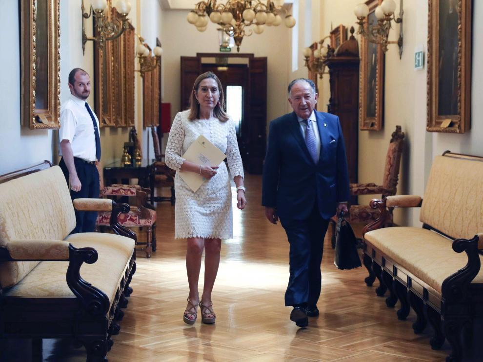 La presidenta del Congreso, Ana Pastor, junto a Félix Sanz Roldán, director del CNI.