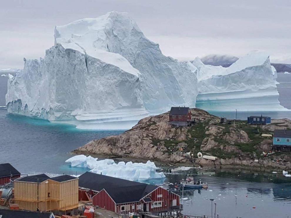 Una cantidad significativa de agua derretida de las capas de hielo de Groenlandia y la Antártida entrarían en los océanos de la Tierra.