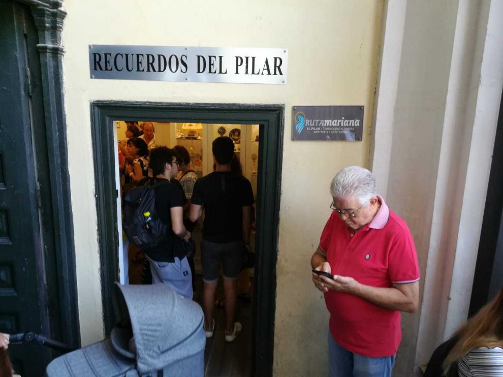 Tienda de recuerdos del Pilar
