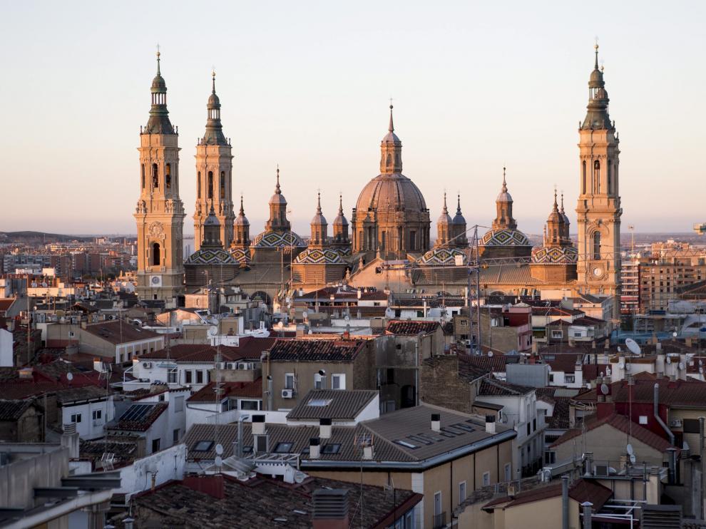 Vistas de la basílica del Pilar de Zaragoza