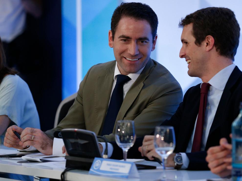 Teodoro García Egea junto a Pablo Casado