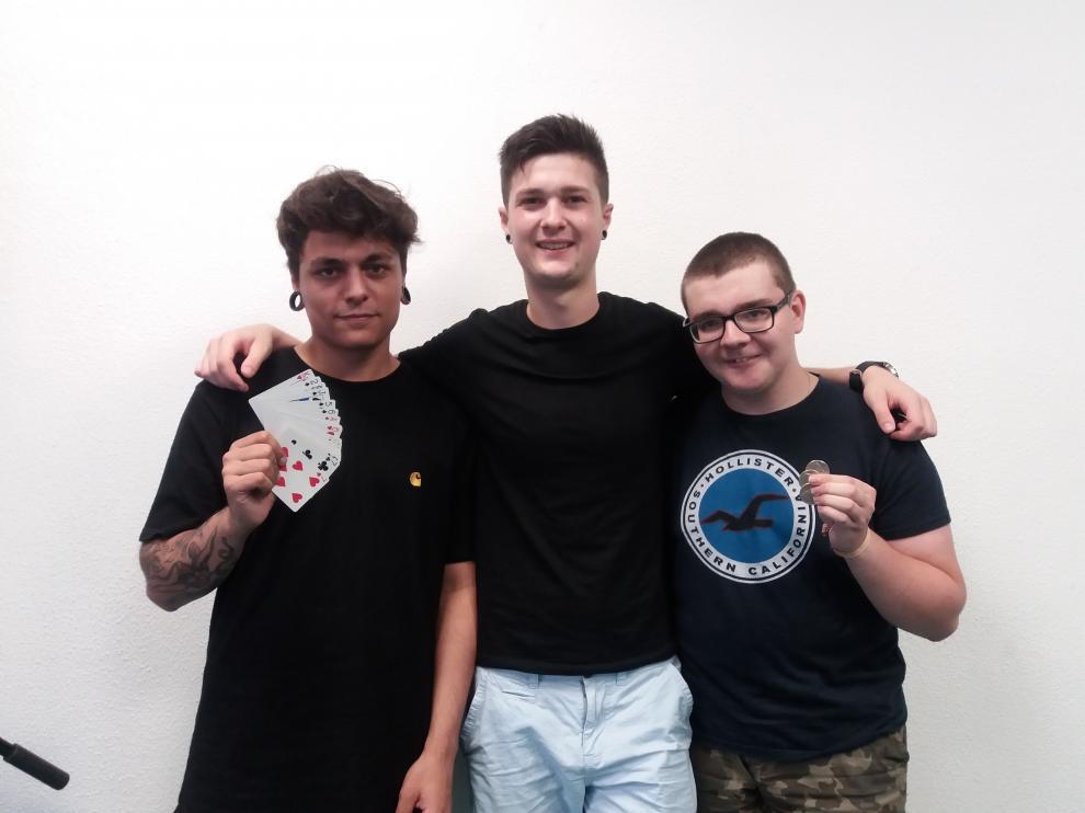Los jóvenes magos Juan, Oihan y Miguel