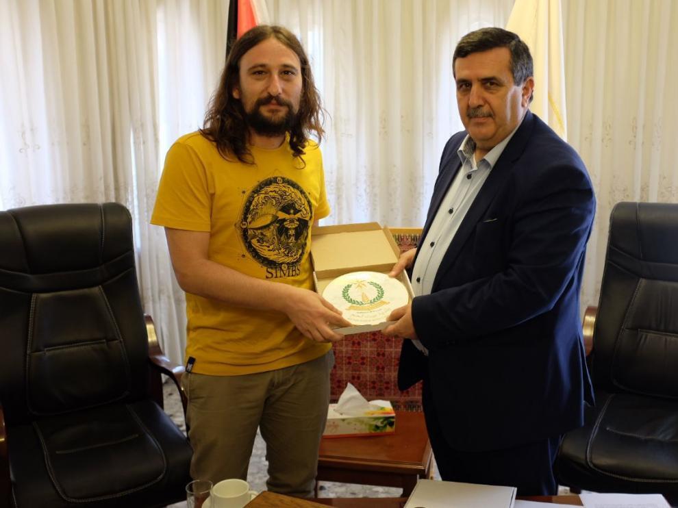 Pablo Híjar y el alcalde de Belén, Anton Salman.