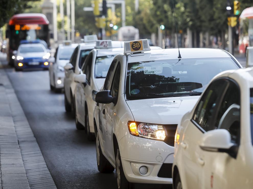 Protesta de taxistas en Zaragoza