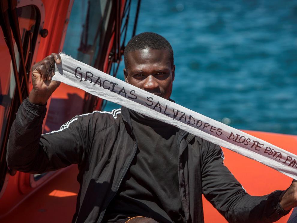 Uno de los inmigrantes rescatados esta semana en el Estrecho de Gibraltar.