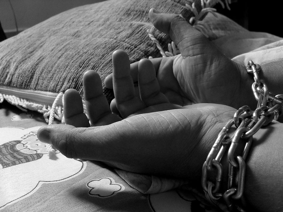 El Pleno del Congreso insta al Gobierno a aprobar una ley de lucha integral contra la trata de mujeres y niñas con fines de explotación sexual.