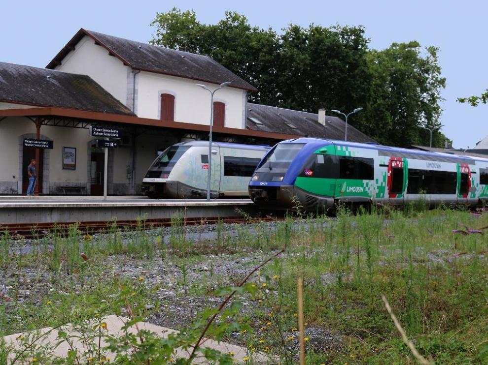 Los trenes volvieron a circular ayer entre Pau y Bedous. Vista de la estación ferroviaria de Olorón.