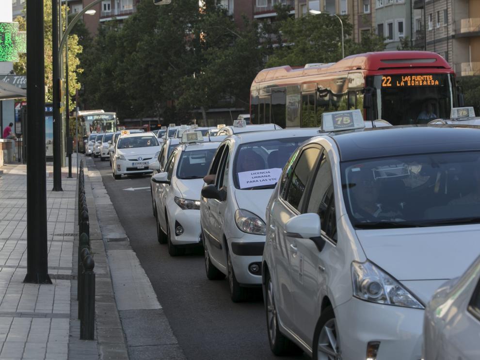 Huelga de taxis en Zaragoza.