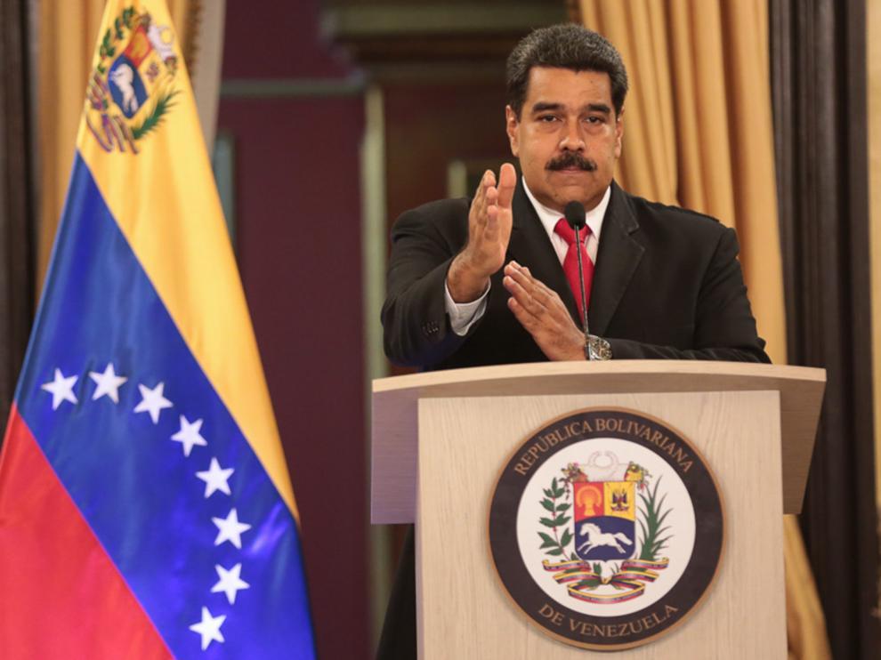 Nicolás Maduro, presidente de Venezuela, denunciando el atentado ante los medios del país.