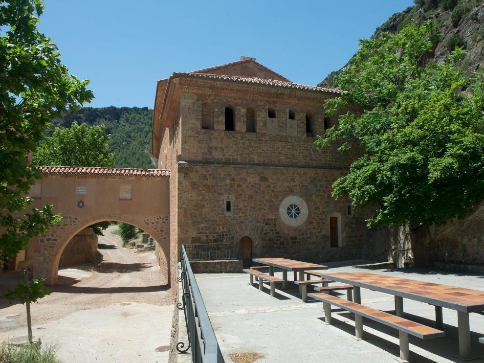 Vecinos de once localidades de la comarca Comunidad de Teruel acuden en romería cada año a la ermita de la Virgen de la Fuensanta
