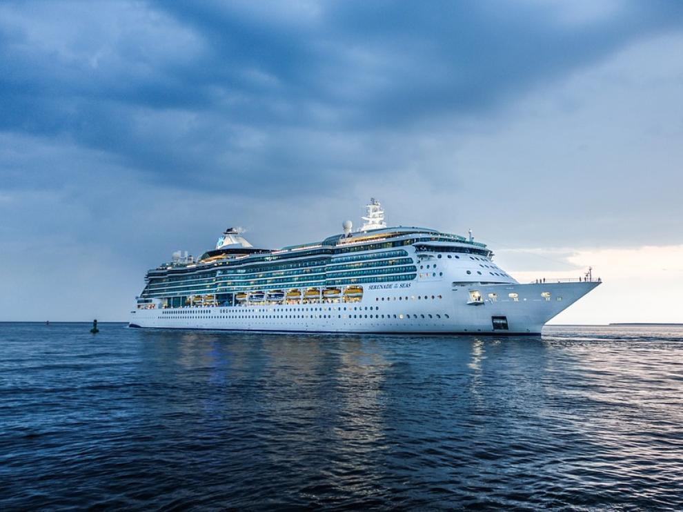 Trabajar en un crucero es uno de los empleos que más oferta tiene en los meses de verano.