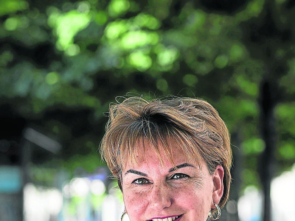 La musicoterapeuta Mónica Romero posa para la cámara.