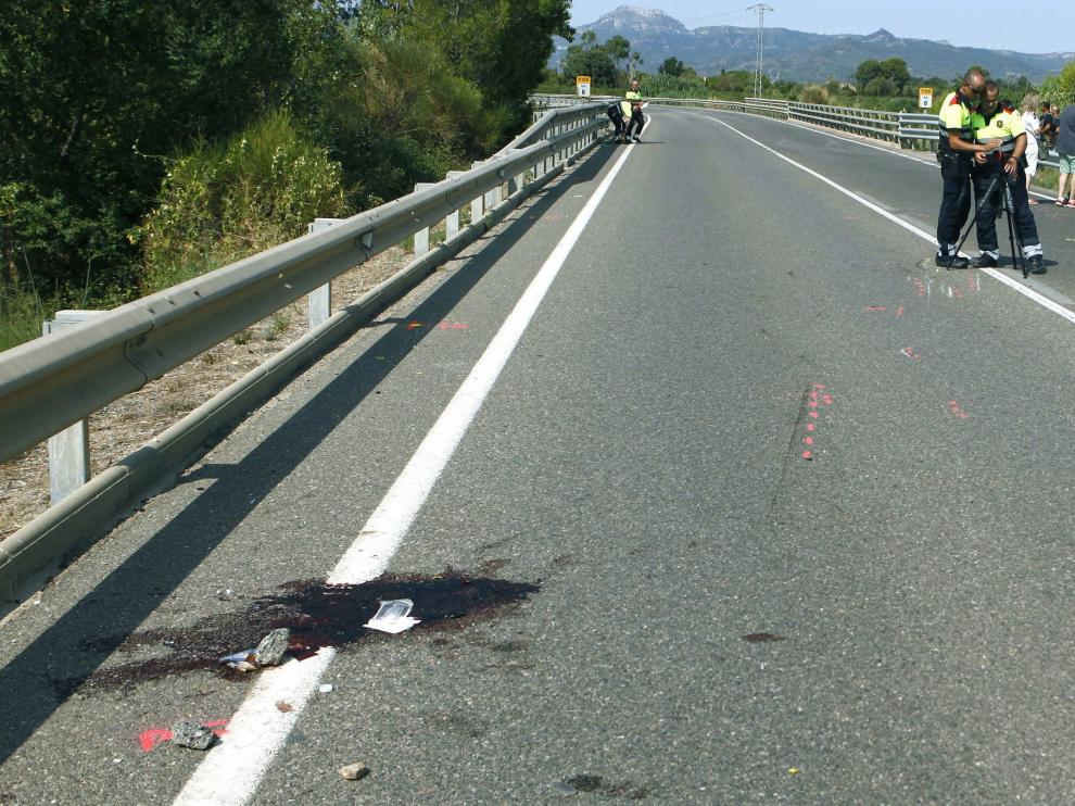 El accidente se produjo sobre las 8.16 de este domingo a la altura del kilómetro 8 de la carretera T-310, a la altura de Montbrió del Camp, en Tarragona.