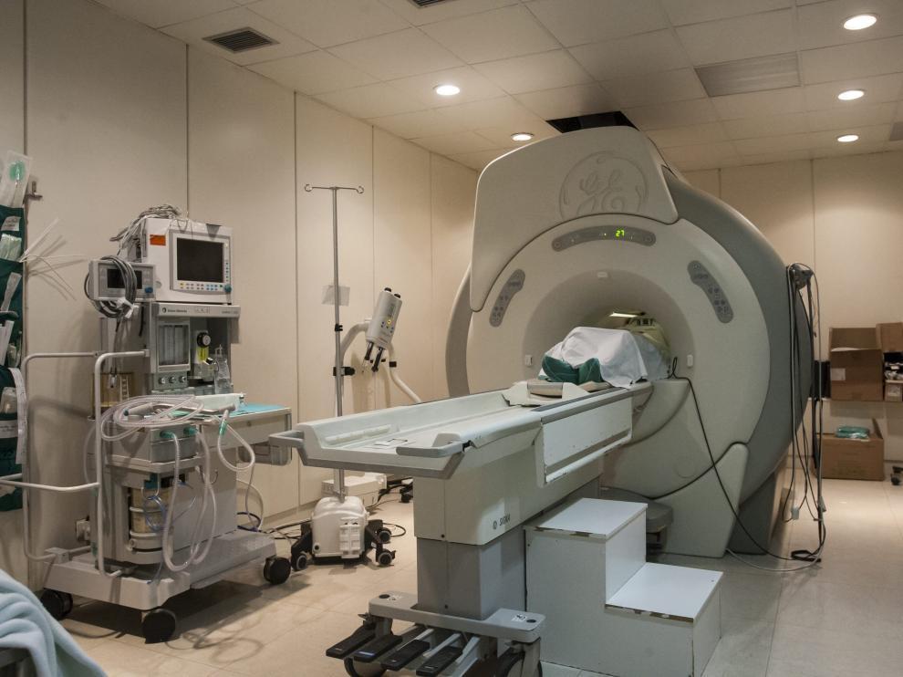Aparato de resonancia magnética en el Hospital Miguel Servet.