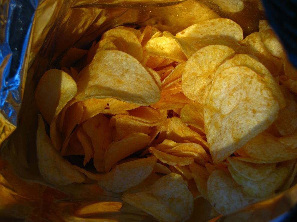Las bolsas de patatas fritas contienen nitrógeno para mantenerse frescas durante más tiempo.