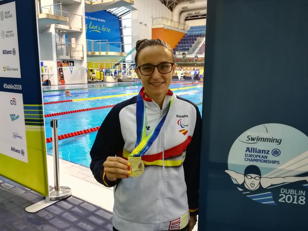 María Delgado, con la medalla de plata conquistada en Dublín.