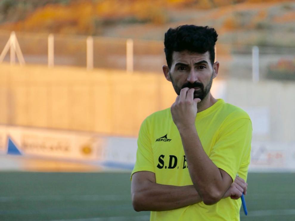 Guillermo Fernández, en su primer entrenamiento al frente de la SD Ejea