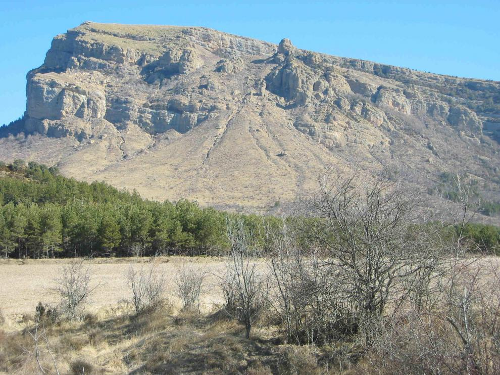 Imagen de la Peña Oroel y su entorno.