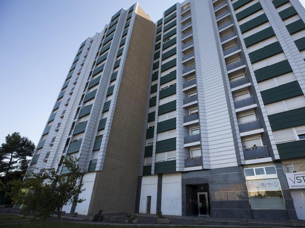 El fallecido fue hallado en su vivienda del número 8 de la calle de Vázquez de Mella.
