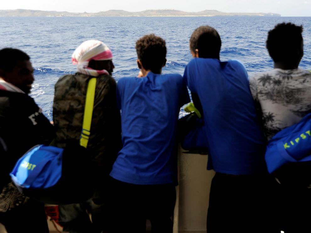 Algunos de los inmigrantes a bordo del Aquarius