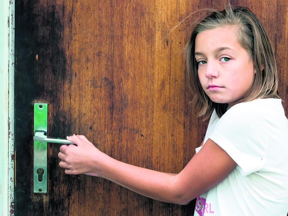 Medio millón de menores españoles pasarán el verano solos en casa mientras sus padres están trabajando, según la asociación de ayuda a la infancia Educo.