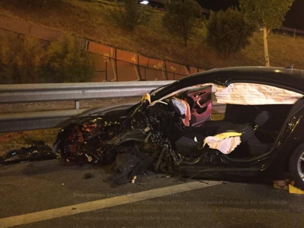 Uno de los vehículos siniestrados en el accidente de Madrid