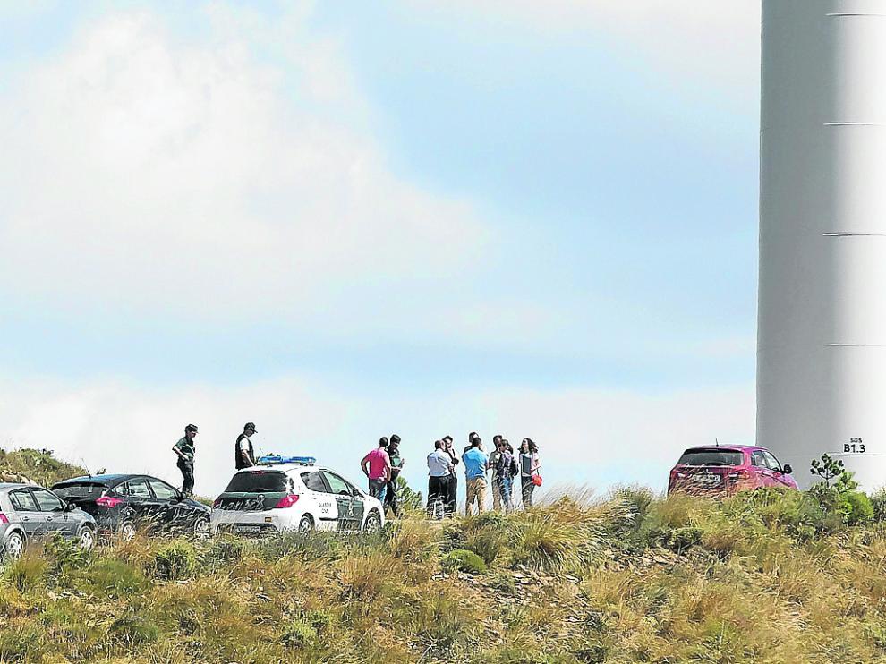 El cadáver fue hallado junto a uno de los generadores del parque eólico de Sos del Rey Católico.