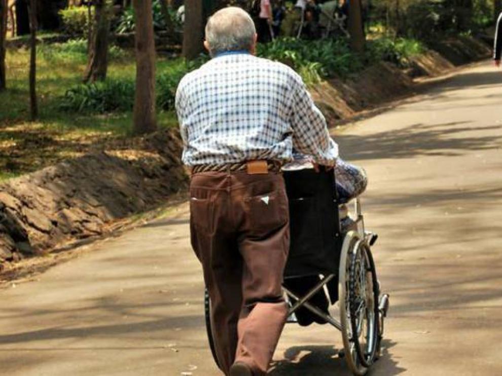 El objetivo de 'Cuidarte' es mejorar la calidad de vida de los cuidadores de personas dependientes.