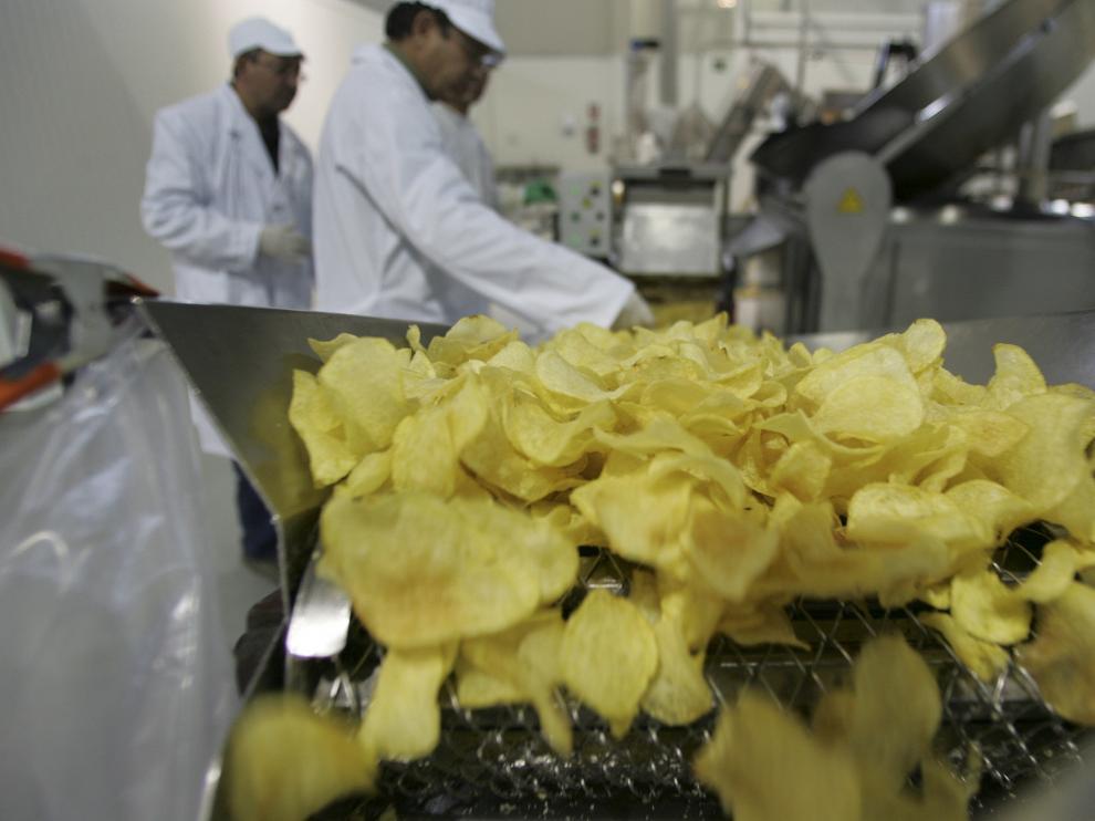 Las patatas chips cautivan nuestros sentidos; y no es por casualidad