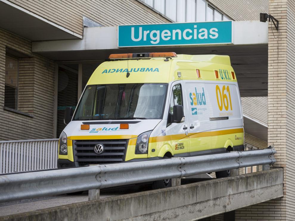 Una ambulancia en el Hospital Miguel Servet de Zaragoza.