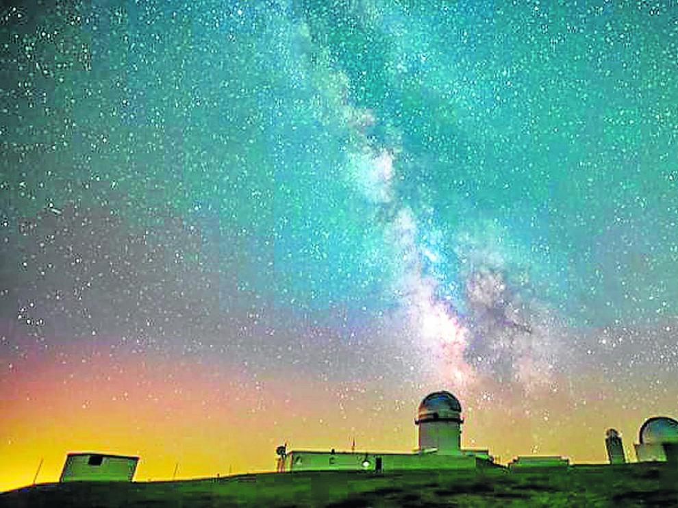 La Vía Láctea, sobre el observatorio de Javalambre, en la localidad de Arcos de las Salinas (Teruel)