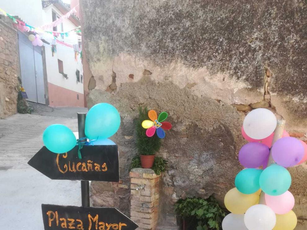 Las calles de Bolea lucen sus mejores galas estos días de fiesta.