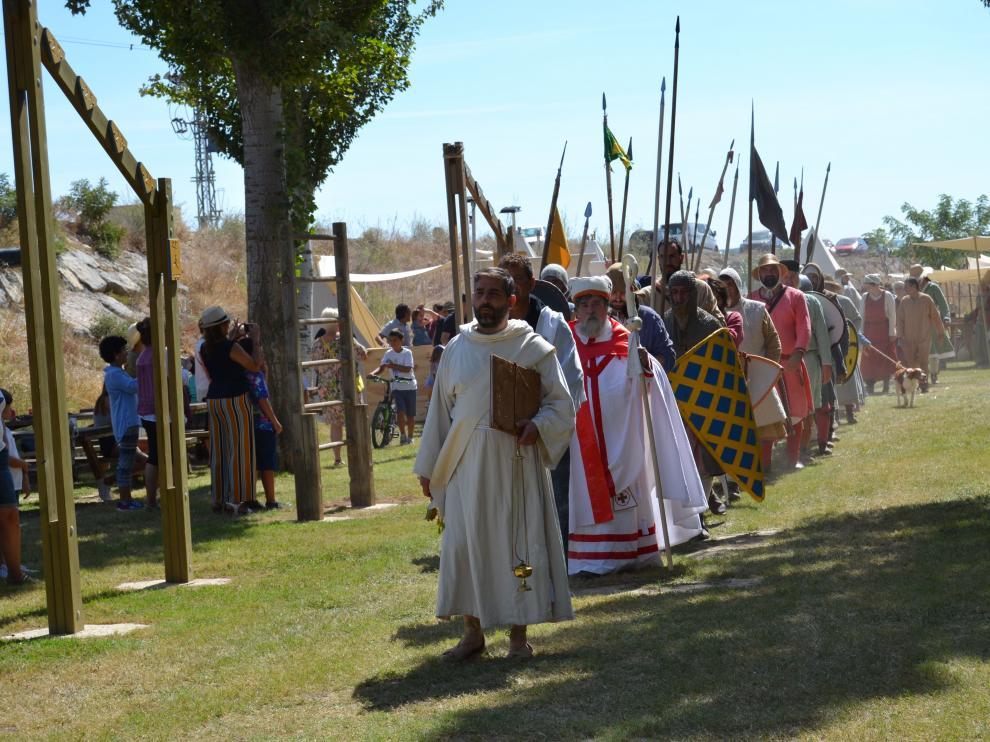 Algunos de los participantes del II encuentro de grupos recreacionistas medievales.
