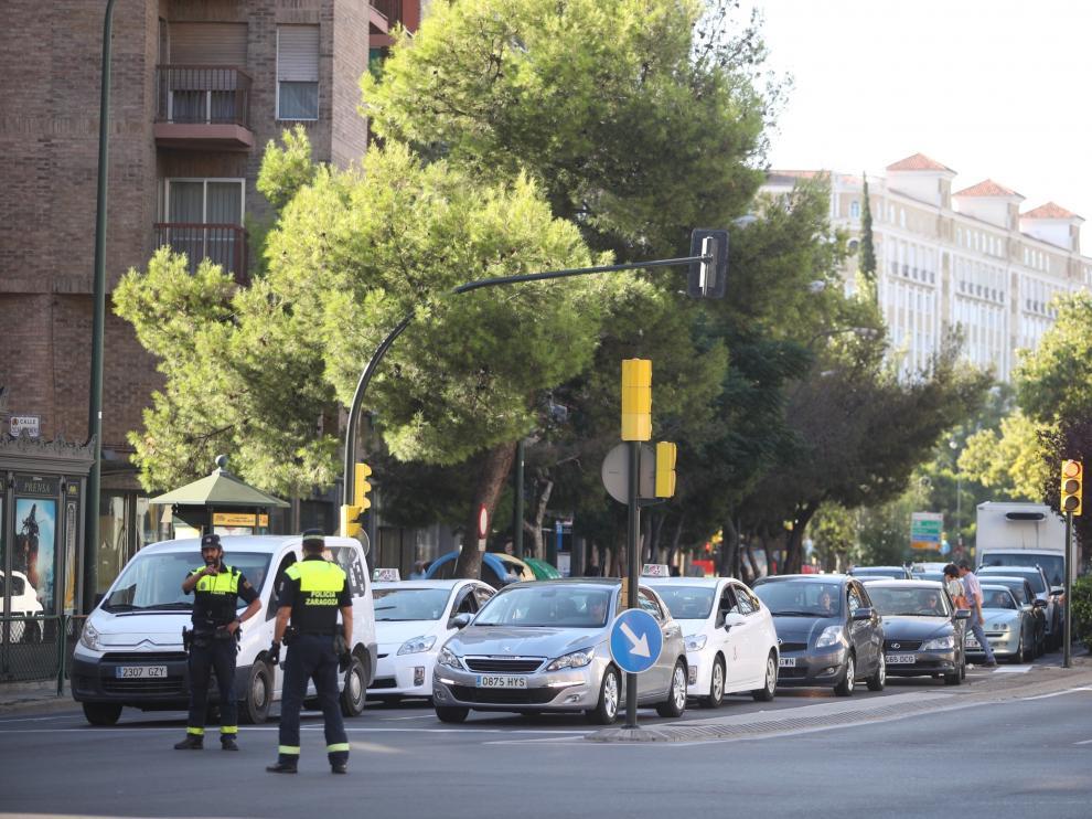 Atasco en plaza de Europa, en Zaragoza.
