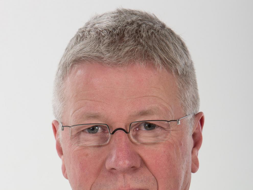 El doctor alemán Hans Geipert, especialista en Microcirugía Avanzada de Columna Vertebral.
