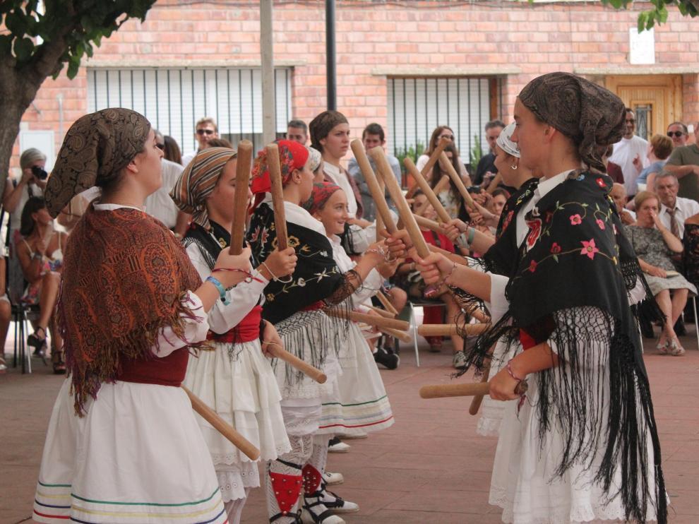 El dance de Bujaraloz cuenta con una amplia cantera.