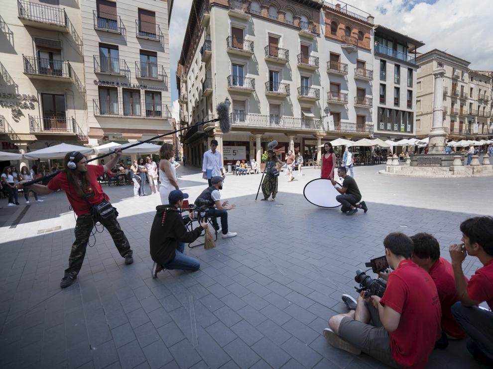 Rodaje de cortometrajes en la primera edición del Desafío Buñuel, en la plaza del Torico.