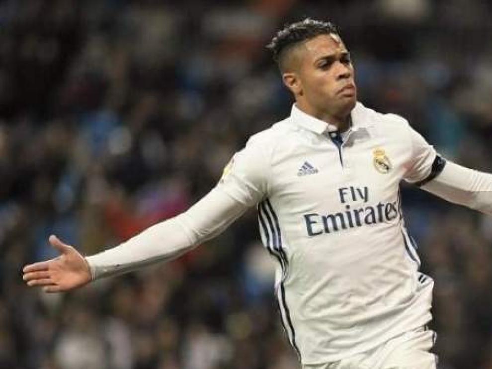 El delantero Mariano Díaz regresa al Real Madrid un año después.
