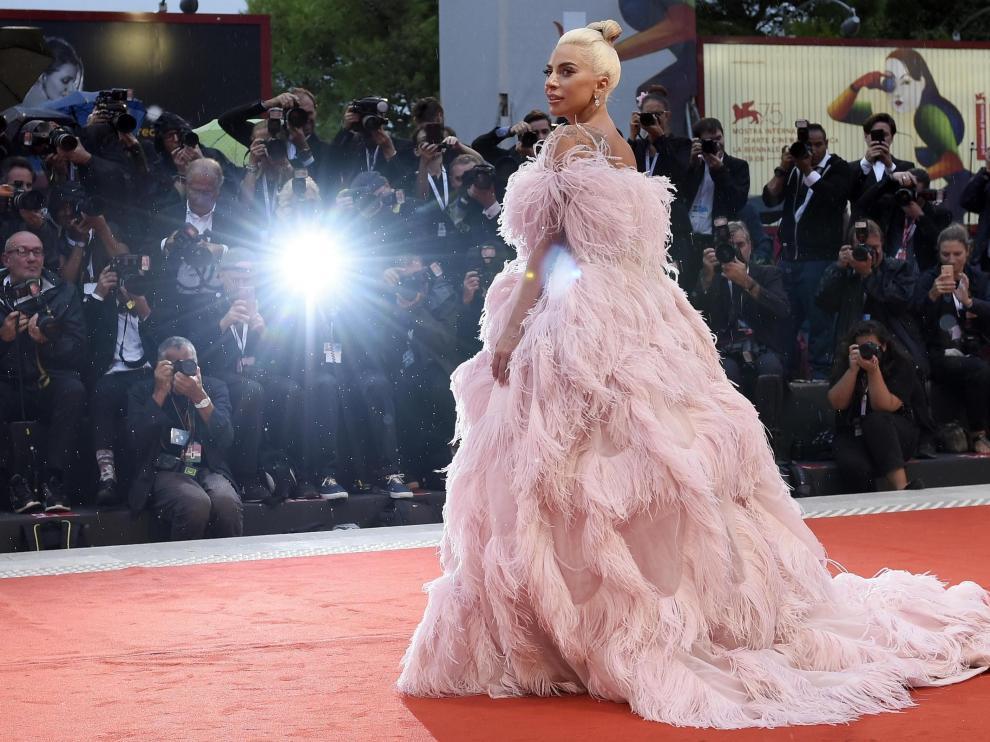 La artista Lady Gaga llega al estreno de 'Ha nacido una estrella' en el Festival Internacional de Cine de Venecia.