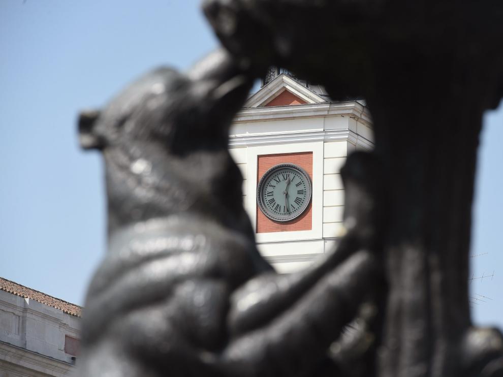 Reloj en la puerta del Sol de Madrid