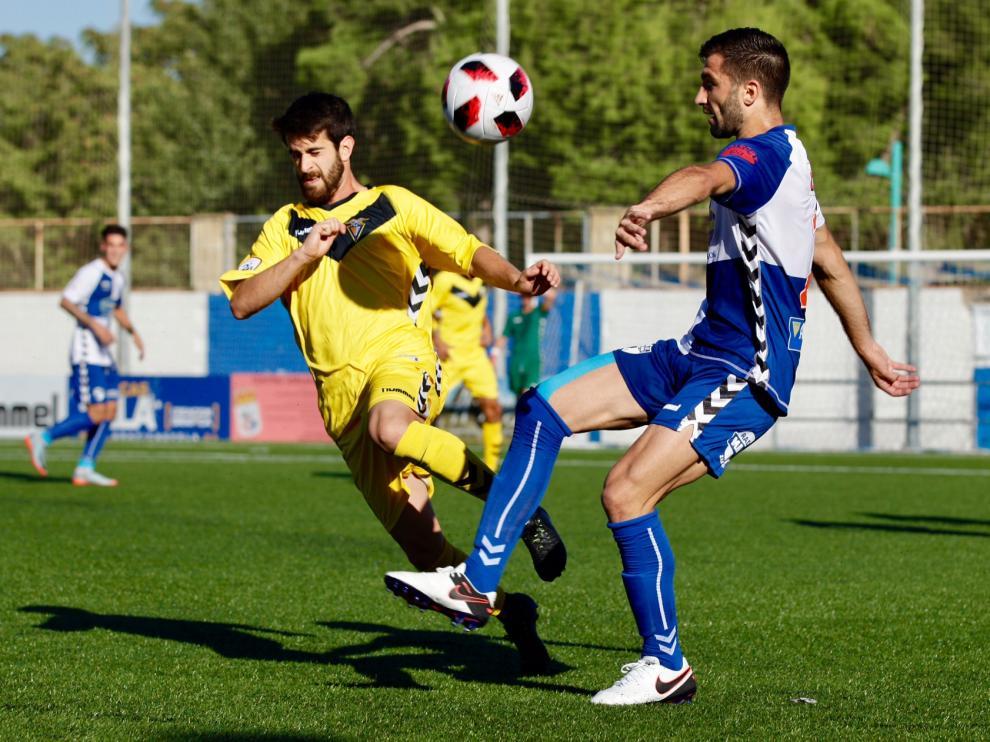 Imagen del partido de liga entre el Ebro y Badalona disputado en La Almozara