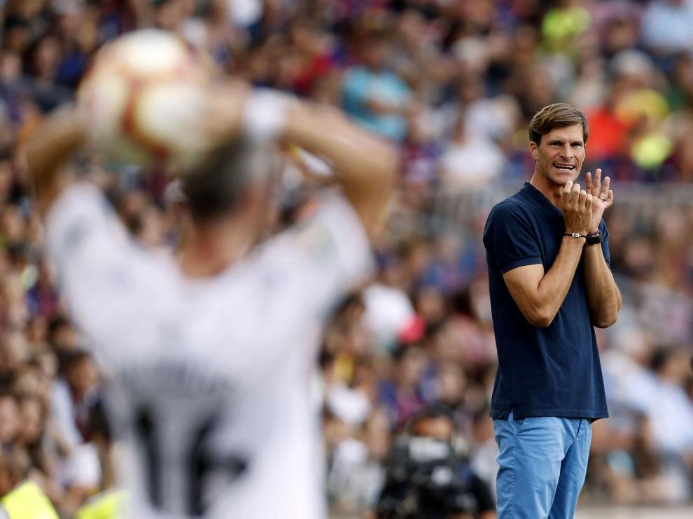 Leo Franco, en la banda del Camp Nou.