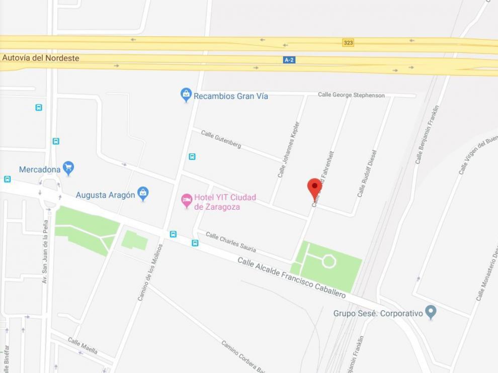 El incidente se produjo sobre las 12.30 en la calle de David Fahrenheit de Zaragoza.