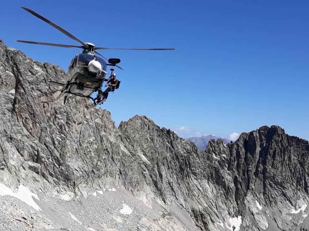 Rescate de la última víctima, accidentada el pasado fin de semana en el pico Balaitus