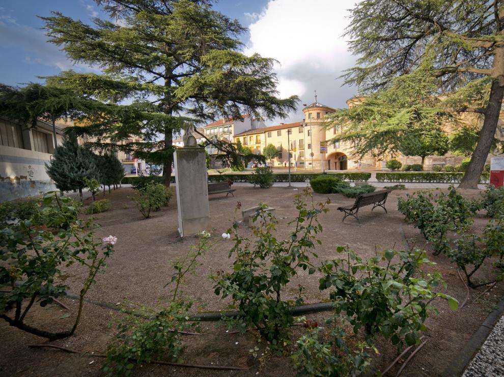 Una de las plazas de la localidad de Calatayud.