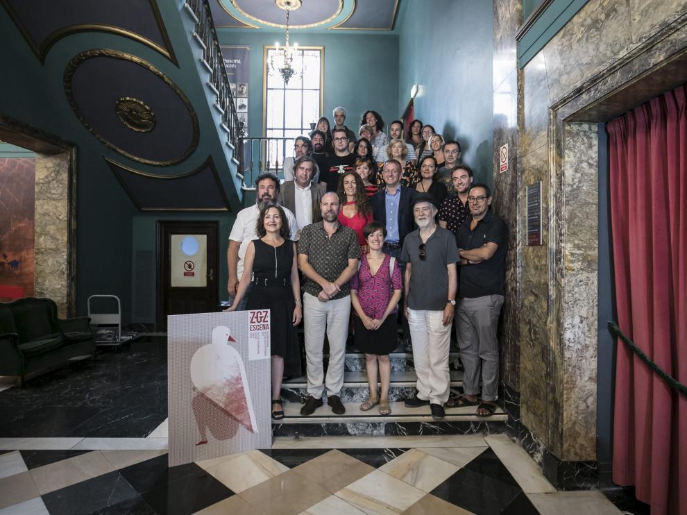 Los participantes en la inauguración del Festival Internacional ZGZ Escena, en el Teatro Principal.